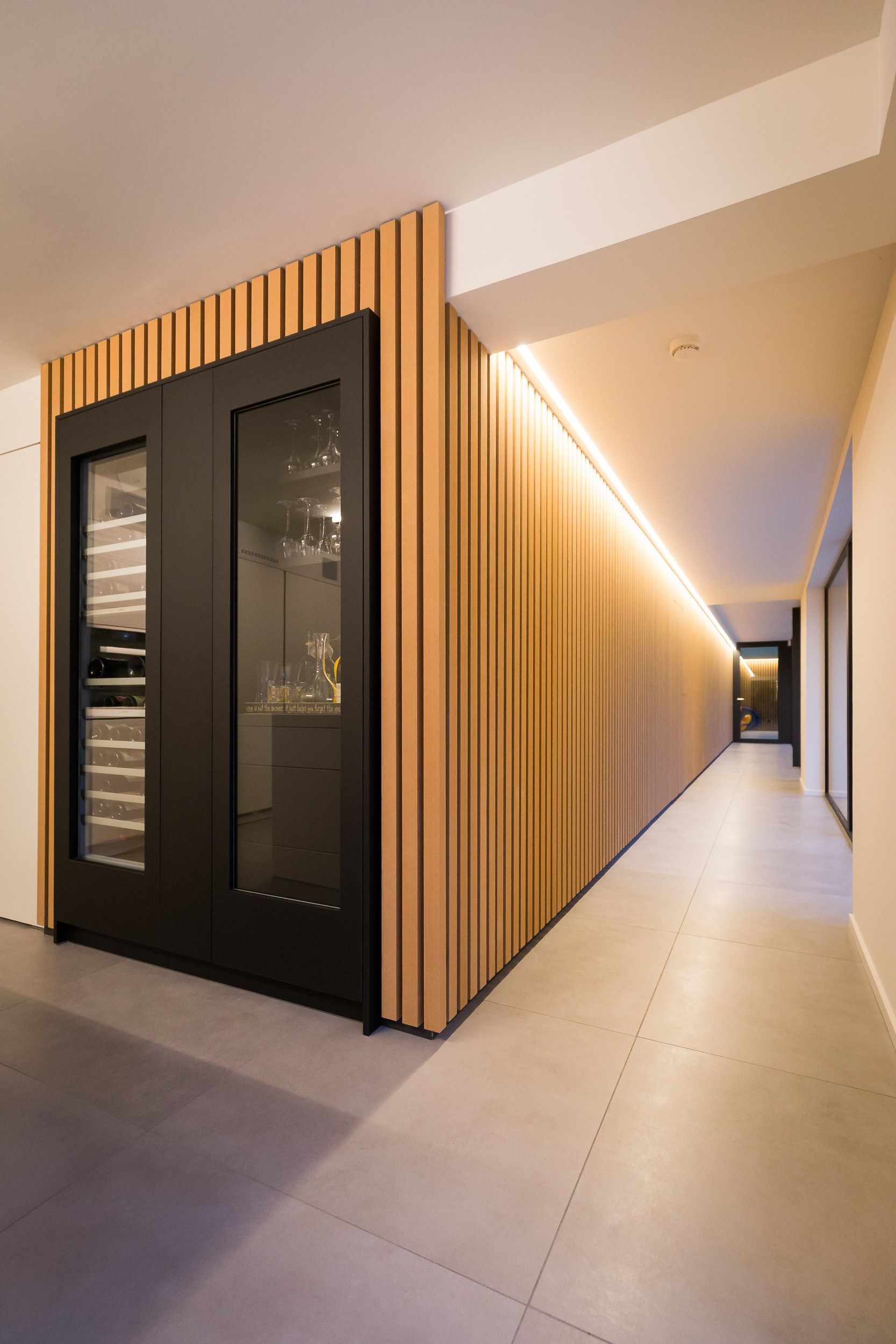 habillage facade simple about this project habillage de la faade with habillage facade. Black Bedroom Furniture Sets. Home Design Ideas